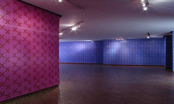 Blue and Pink American Pastoral Wallpaper Installation